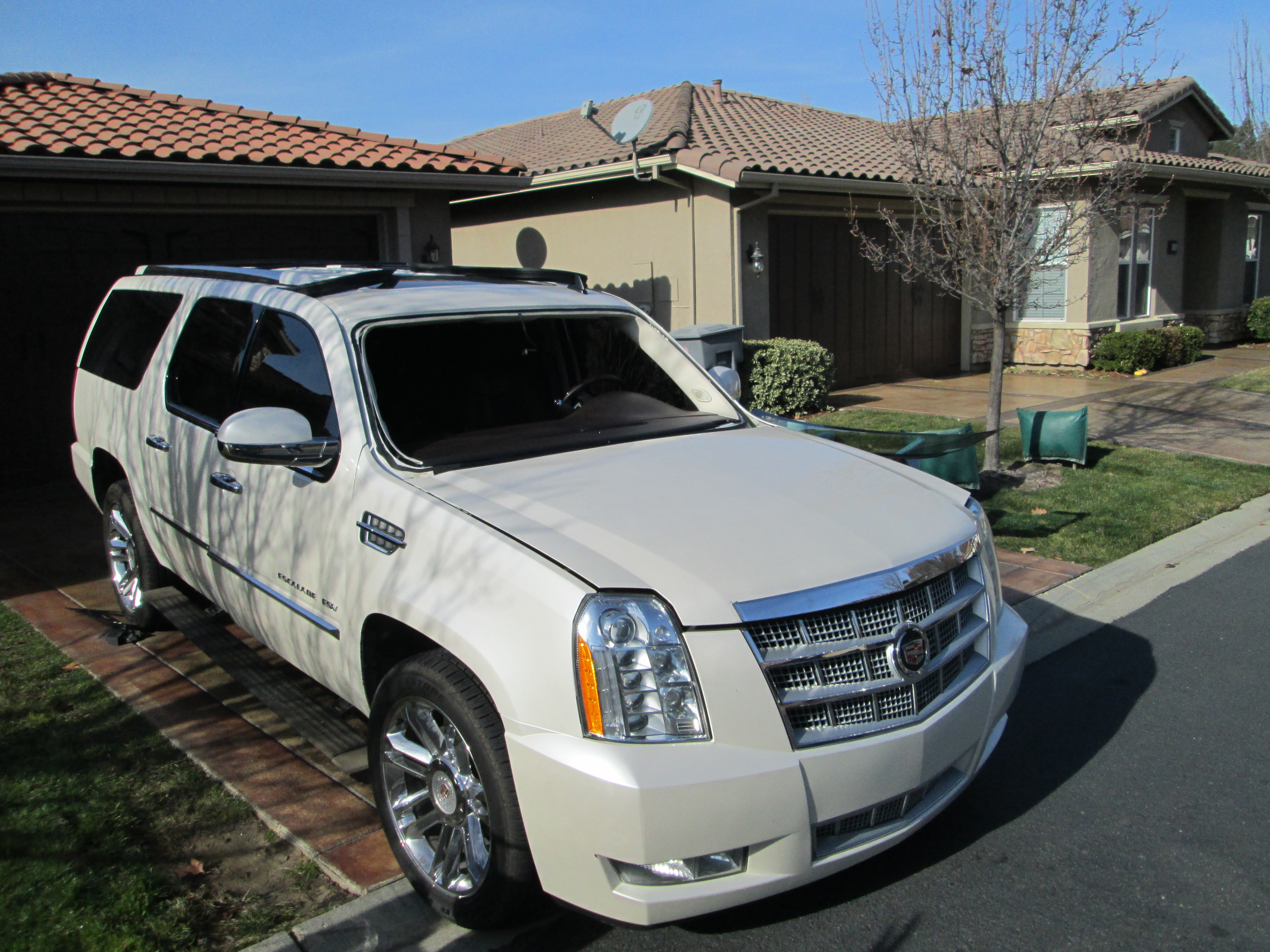 Cadillac Escalade Windshield Replacement Roseville, CA
